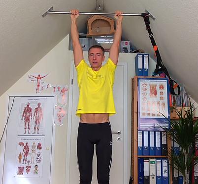 Hanging als Finisher nach dem Laufen