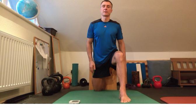 Beweglichkeits-Adventskalender 2016, 17. Türchen -Beine und Hüfte; Couch-Stretch-