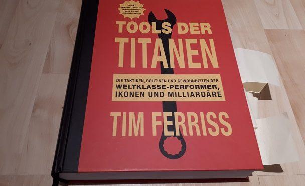 Bücher-Adventskalender 2017, 2. Türchen, Tools der Titanen